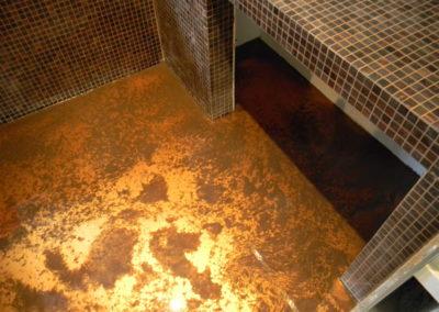 Pavimento in resina epossidica a colata con polvere metallica