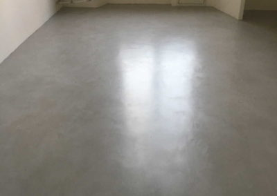 Pavimento in microcemento grigio